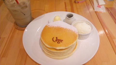 Vege「クラシック・バターミルクパンケーキ」